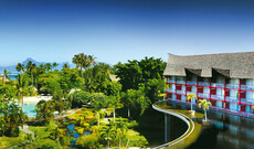 Tahiti Ia Ora Beach Resort, managed by Sofitel