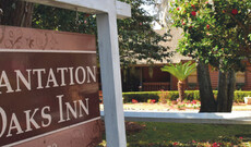 Plantation Oaks Inn